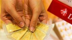 Giá vàng trong nước 'đắt' hơn giá vàng thế giới tới gần 3 triệu đồng/lượng