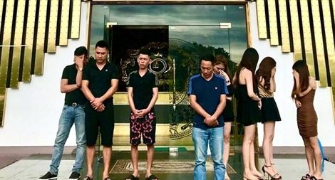 Nhiều quán karaoke ở Quảng Ninh vẫn tổ chức 'bay lắc' trong lệnh cấm