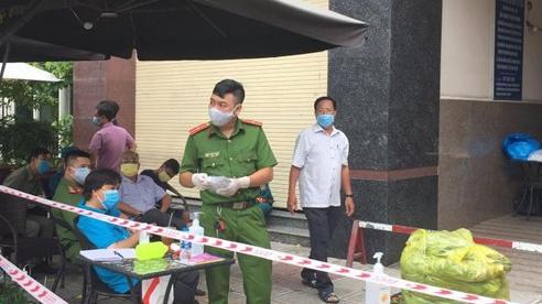 TP.HCM: Block 15 tầng chung cư Thái An có ca nghi mắc COVID-19, người dân đang cách ly, lấy mẫu xét nghiệm