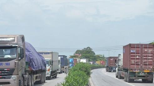Áp dụng kết quả cân điện tử để 'phạt nguội' xe quá tải trên quốc lộ 5