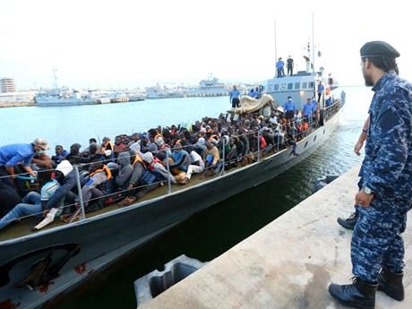 Giải cứu hàng trăm người di cư ở ngoài khơi bờ biển Libya