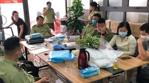Hà Nội tạm giữ lượng lớn găng tay cao su không rõ nguồn gốc xuất xứ