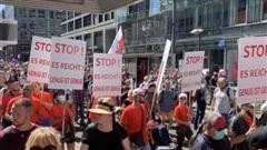 Hàng nghìn người Đức phản đối biện pháp chống dịch
