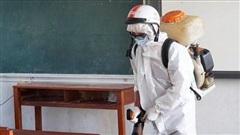 Nhiều tỉnh phun khử trùng các điểm thi tập trung chuẩn bị cho kỳ thi tốt nghiệp THPT