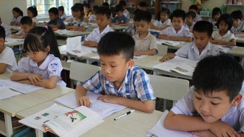 Hơn 50% phụ huynh Thủ đô đăng ký thành công cho con vào lớp 1 trong ngày đầu tuyển sinh trực tuyến