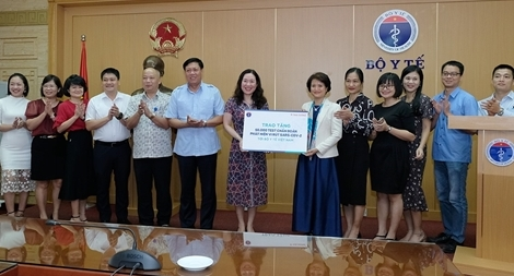 Bộ Y tế tiếp nhận 50.000 test xét nghiệm COVID-19 Kit Thái Dương