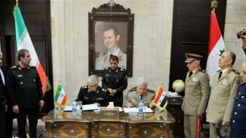 Iran lấn lướt, Mỹ nhanh tay hút dầu Syria