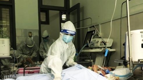 Bệnh viện Quảng Nam 'chia lửa', tiếp nhận bệnh nhân từ Đà Nẵng