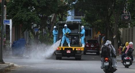 Đà Nẵng tiến hành phun khử khuẩn khu vực quận Sơn Trà