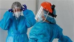 Chính phủ Philippines cạn tiền giữa dịch Covid-19, đội ngũ y tế kiệt sức