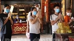 Du khách phải khai báo y tế, đo thân nhiệt, đeo khẩu trang, rửa tay sát khuẩn khi tham quan Côn Sơn - Kiếp Bạc