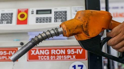 Giá xăng dầu hôm nay 3/8: Giá dầu thô giảm mạnh