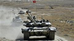 Bất ngờ khi xe tăng T-90 mang cờ Thổ Nhĩ Kỳ