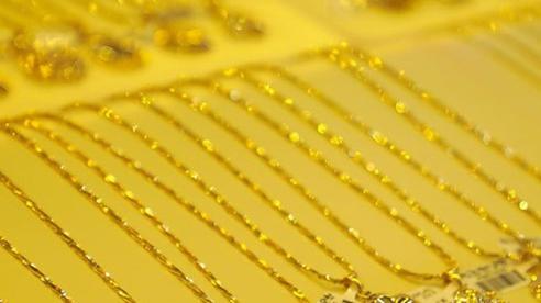 Giá vàng hôm nay 3/8: Thị trường vàng trong nước 'nóng xình xịch'