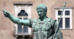 Thơ ca: Cầu nối đưa Hoàng đế La Mã chinh phục quần chúng