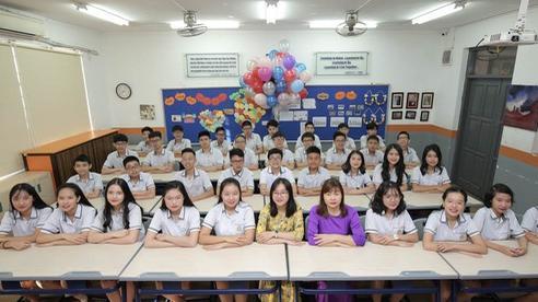 Lớp học siêu đỉnh với 32/32 học sinh đỗ chuyên Hà Nội, toàn Thủ khoa, Á khoa các trường top