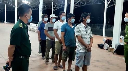 Phát hiện 6 người đi từ Đà Nẵng ra Huế dọc theo bờ biển để trốn cách ly