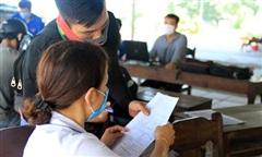 Phát hiện 6 người đi bộ vòng theo đường biển từ Đà Nẵng ra Huế trốn dịch