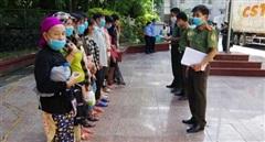 Công an Hà Giang tiếp nhận công dân do Trung Quốc trao trả