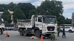 'Hung thần' cán tử vong cô gái 20 tuổi, kéo lê xe máy trên đường