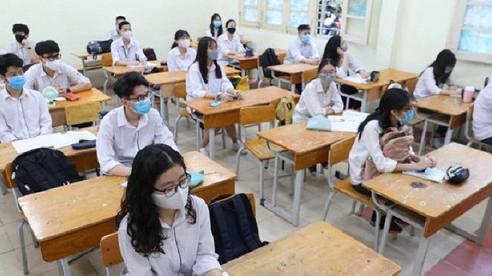 Hà Nội chuẩn bị sẵn xe y tế để đưa thí sinh diện F1 đến điểm thi cách ly