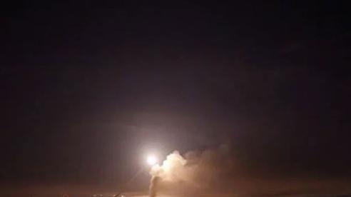 Israel không kích Syria trong đêm