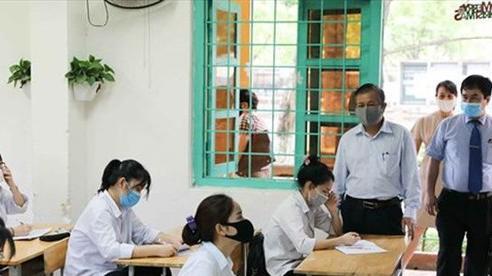Toàn bộ 143 điểm thi tốt nghiệp THPT ở Hà Nội có sẵn 2 phòng thi dự phòng chống COVID-19