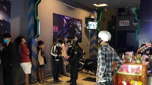 Đà Nẵng: Hàng loạt thanh thiếu niên 'cày' game trong tiệm Internet mở chui dịch Covid-19