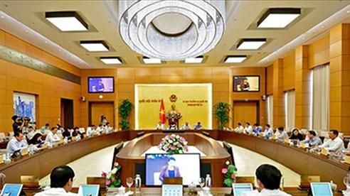 Các Phó Thủ tướng, Bộ trưởng trả lời chất vấn tại phiên họp 47 UBTVQH