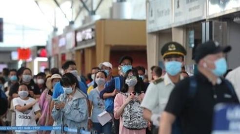 Thuê 2 chuyến bay đưa hơn 400 du khách rời khỏi Đà Nẵng