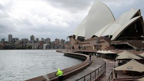 Tuân thủ quy định tự cách ly, người dân Australia được trợ cấp 1.500 AUD