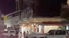 Đang ăn tối tại nhà hàng, nam phóng viên bị bắn gục tại chỗ