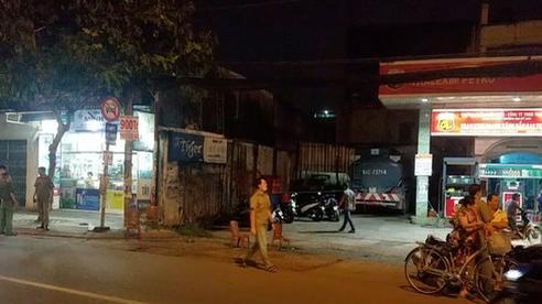 Truy tìm nhóm người tấn công cảnh sát, nhốt dân phòng ở huyện Bình Chánh