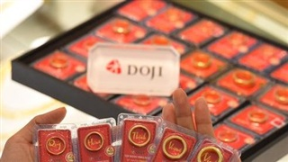 Giá vàng tiếp tục tăng mạnh vượt 59 triệu đồng/lượng, doanh nghiệp nâng mạnh giá mua vào