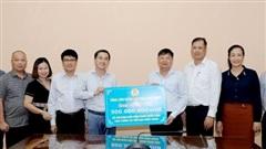 Bộ Y tế tiếp nhận ủng hộ 500 triệu đồng chống dịch COVID-19 từ Tổng Liên đoàn Lao động Việt Nam
