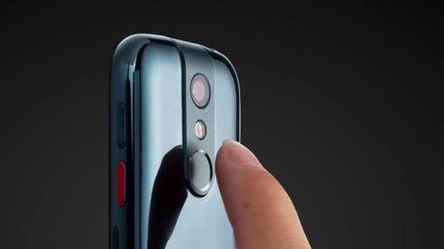 Cận cảnh smartphone bằng đúng chiếc thẻ tín dụng, vẫn chạy Android 10