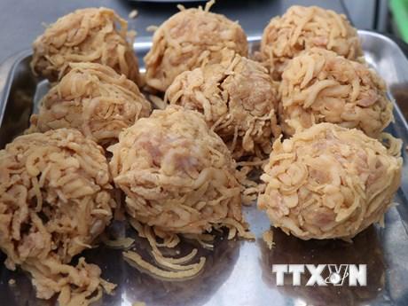 [Photo] Các công đoạn làm món nem thính - đặc sản Bắc Ninh