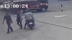 Vụ 2 tên cướp giật dây chuyền, cướp xe ở Bình Chánh: Vì sao nạn nhân không trình báo?