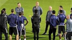 UAE hội quân trở lại chuẩn bị tập huấn, quyết tâm lấy ngôi đầu bảng G