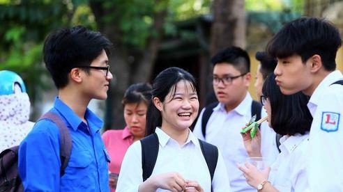 Một loạt trường THPT chuyên và không chuyên tại Hà Nội hạ điểm chuẩn vào 10