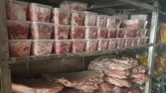 Phát hiện 19 tấn chân gà, trứng non, giò lợn ôi thiu
