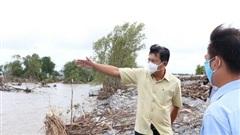 Tân bí thư tỉnh Cà Mau trực tiếp kiểm tra đê biển bảo vệ hàng hộ dân