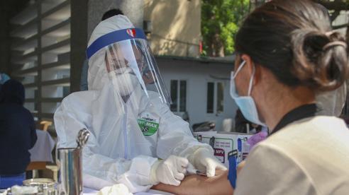Vì sao các công ty Việt 'ngó lơ' test nhanh Covid-19, chỉ sản xuất test PCR?