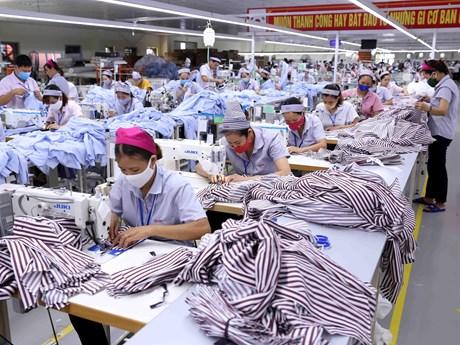 AMRO dự báo kinh tế Việt Nam tăng trưởng dương trong năm 2020