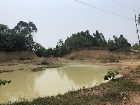 Hà Nội: Dừng hoạt động hạ độ cao, tận thu đất đồi ở xã Phú Sơn