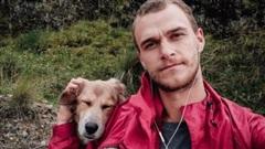 Chú chó nổi tiếng khắp mạng xã hội vì đi bộ vòng quanh thế giới