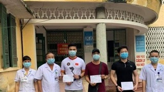 3 người được công bố khỏi bệnh COVID-19 tại BVĐK tỉnh Nam Định