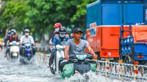 Phải làm gì khi xe bị ngập nước, chết máy để tránh mất thêm tiền