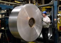 Quan hệ Mỹ - Canada 'nóng' lên vì thuế nhôm