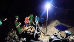 Hà Tĩnh: Phát hiện 2 nhóm đối tượng khai thác vàng 'trộm' trong đêm